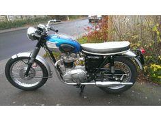 1965 Triumph T120R 650 Bonneville Twin ~ classicbikeshed.co.uk