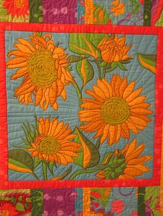 Contemporary Sunflower quilt by Martys Fiber Musings, via Flickr Table Runner And Placemats, Quilted Table Runners, Sunflower Quilts, Quilted Throw Blanket, Quilting Room, Contemporary Quilts, Flower Art, Quilt Patterns, Applique