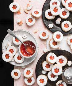 Grapefruit Almond Linzer Cookies | #grapefruit #almondmeal #cookies #linzercookies #winsowpanecookies #baking #dessert #almondcookies #jamcookies | twocupsflour.com