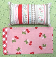 Bee In My Bonnet: A Pillow and Pillowcase Tutorial...for Dolly!...
