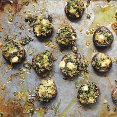 These Quinoa, Feta, And Spinach-Stuffed Mushrooms Are The Perfect Healthy Appetizer. Heat Them Up For A Warming Starting At Your Next Fall Dinner Party. Healthy Appetizers, Healthy Eating Recipes, Nutritious Meals, Vegetarian Recipes, Healthy Foods, Quinoa, Feta, Cheesy Mashed Potatoes, Spinach Stuffed Mushrooms