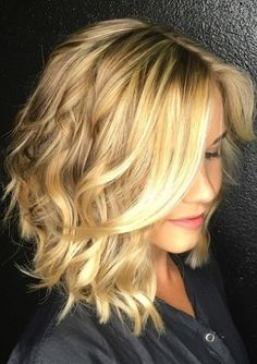 If you have bob hair and blonde hair color, you c., [post_tags, If you have bob hair and blonde hair color, you can produce a really chic and stylish appear with loose waves. Graduated Bob Hairstyles, Wavy Bob Hairstyles, Hairstyles 2016, Curly Haircuts, Layered Haircuts, Trendy Hairstyles, Estilo Miami, Medium Hair Styles, Curly Hair Styles