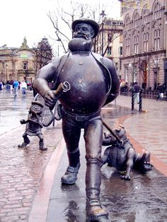 Bronze statues of three characters from the comics, Desperate Dan, Minnie the Minx and Dawg in Dundee.the birthplace of Desperate Dan Glasgow Scotland, Scotland Travel, Edinburgh, Outdoor Sculpture, Sculpture Art, Cairngorms, Public Art, Oeuvre D'art, Great Britain