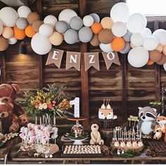baby boy birthday party Ideas for baby shower decorations woodland theme forest animals Deco Baby Shower, Boy Baby Shower Themes, Boy Shower, Themes For Baby Showers, Baby Boy 1st Birthday Party, 1st Birthday Party Ideas For Boys, Baby Boy Birthday Decoration, Forest Baby Showers, Woodland Theme