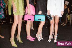 Tendenze scarpe primavera estate 2015 scarpe con cinturini anni 70