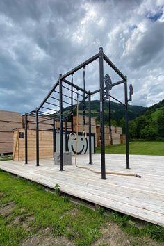 Backyard Jungle Gym, Backyard Studio, Backyard Playground, Outdoor Play Gym, Outdoor Fitness Equipment, Home Gym Garage, At Home Gym, Cage Crossfit, Bootroom