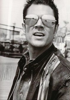 Philip John Clapp (Johnny Knoxville) is so hot!