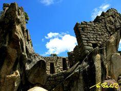 Machu Picchu - Templo del Cóndor - PERÚ