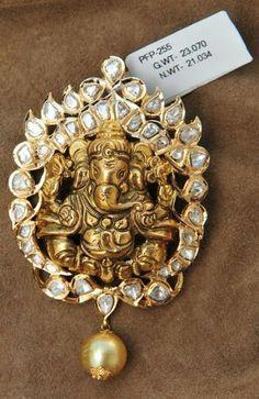 Gold Pendant latest jewelry designs - Page 17 of 29 - Indian Jewellery Designs Jewelry Design Earrings, Gold Earrings Designs, Pendant Jewelry, Indian Jewellery Design, Jewellery Designs, Indian Jewelry, Vintage Jewellery, Ganesh Pendant, Locket Design