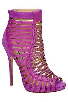 Stunning Women Shoes, Shoes Addict, Beautiful High Heels Jimmy Choo #Stunning…