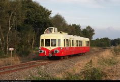 SNCF X3890 at La Motte, France by jean-francois fessard