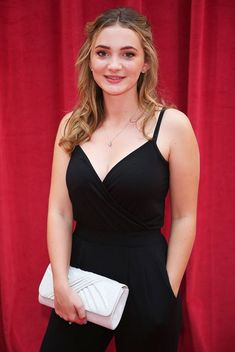 Rosie Bentham, who currently plays Gabby Thomas in Emmerdale, looked simply divine on the red carpet for the 2018 Soap Awards; keeping the jewellery choice understated with this engraved personalised initial disc pendant necklace in white gold. Emmerdale Actors, Soap Awards, Jewellery Quarter, British Actresses, Trending Now, Beautiful Actresses, Hot Girls, Dress Up, Dresses For Work