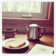 Reflective mornings with the #fiveminutejournal photo by @jessalynandrob