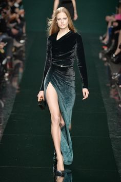 Ombré hues on velvet at elie saab #AW14 #PFW