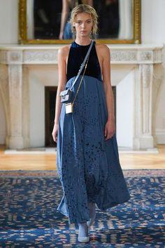 Fotos de Pasarela   Valentino, París Fashion Week, prêt-à-porter, primavera-verano 2017 Primavera Verano 2017 Paris Fashion Week   37 de 66   Vogue