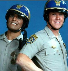 chips tv show Larry Wilcox, Cops Tv Show, Cop Show, 80 Tv Shows, Watch Tv Shows, Hollywood Tv Series, Police Cops, Female Cop, English Movies