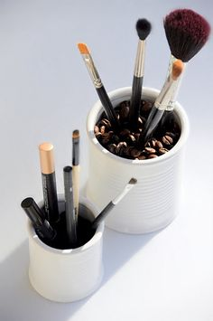 love the idea of coffee beans for brushes