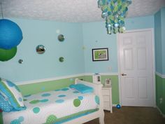 blue & green dots!! iwant this mom