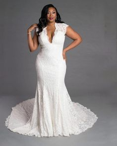 wedding dress plus size 25 best plus size wedding dresses for your big day 00029 Plus Size Wedding Gowns, Plus Size Gowns, Sweetheart Gowns, Lace Bridal, Lace Wedding, Dream Wedding, Rustic Wedding, Ethereal Wedding, Relaxed Wedding