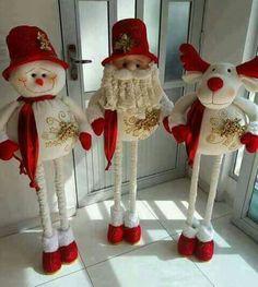 Crochet ideas that you'll love Christmas Elf Doll, Christmas Clay, Snowman Decorations, Christmas Tree Decorations, Holiday Decor, Decor Crafts, Christmas Crafts, Christmas Ornaments, Paper Flower Decor