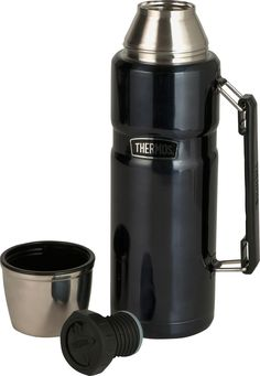 With a retro design, the 1.2 Litre Thermos Stainless King Flask has temperature retention capabilities which will keep your food or drink hot for 24 hours. Perfect for camping and outdoor trips.