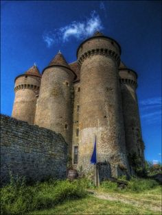Sarzay ~ HDR Summer by RobN 185 / 500px Castle Pictures, Famous Castles, Castle Wall, Fantasy Castle, Interesting Buildings, France, Beautiful Places To Travel, Abandoned Houses, Palace