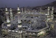 El lloc sagrat de l'Islam és la Meca, on un cop a la teva vida com a mínim, has d'acudir a seguir el ritual de fer moltes voltes al seu voltant mentre des-de la torre que hiha al costat criden una sèrie d'oracions.