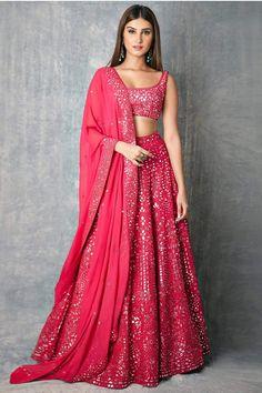 Indian Gowns Dresses, Indian Fashion Dresses, Dress Indian Style, Indian Bridal Lehenga, Indian Bridal Outfits, Lehnga Dress, Lehenga Choli, Lehenga Skirt, Silk Dupatta