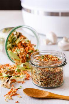 ZELENINOVÝ VÝVAR V PRÁŠKU - Inspirace od decoDoma Korn, Chana Masala, Fried Rice, Preserves, Pickles, Ham, Pesto, Cabbage, Food And Drink
