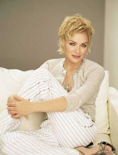 GlamGalz.com | Gorgeous American Actress Sharon Stone