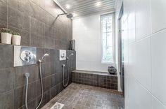 harmaa-kylpyhuone-sisustus-valkoinen-hurmaa