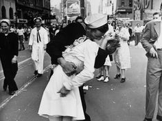 Greta Friedman, the nurse in the famous times square VJ photo, has died today.  - Imgur
