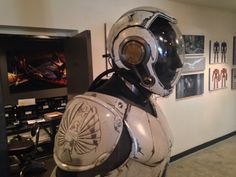 kellerprocess: luckyredundies: Cherno Alpha and Gipsy Danger Drivesuits @ The Art of Pacific Rim, Gnomon Gallery, Hollywood, CA It is deeply not okay that I can't see this in person.