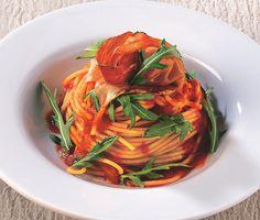 Recipe for Spaghetti With Bell Pepper Purée, Arugula And Speck : La Cucina Italiana
