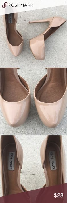 "Steve Madden Dorsaay Patent Leather Nude Pink Pump Gorgeous rounded Dorsaay Pumps in a beautiful neutral Blush nude pink color. 4"" heels. Shiny patent leather. Matches virtually everything. Leather upper. Padded soft footbed. Sexy Stiletto! Excellent condition! Steve Madden Shoes Heels"