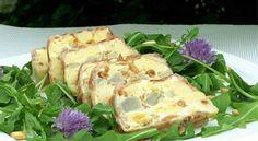Vous aimez les artichauts ? Cette terrine au comté et à la pancetta à déguster avec une salade de roquette ou de mesclun vous ravira.