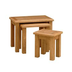 Warrington Oak Nest of 3 Tables (W517) with Free Delivery | The Cotswold Company