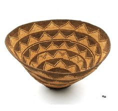 Africa | Basket from Angola. 20th century