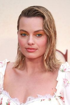 11 New Winter Haircuts to Try for 2017 - Winter's Best Hairstyle Trends #richfashion.com #unique #style #love #hair #hairstyles #ootd