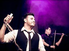 Em uma inusitada mistura entre música erudita e eletrônica, a banda E-Strings faz show no Canela Fina Bar, no dia 14 de março, a partir das 23h. Os ingressos custam R$ 30 (homens) e R$ 25 (mulheres), com venda antecipada pelo site Casa de Festas.