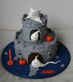 Ghostly Halloween cake