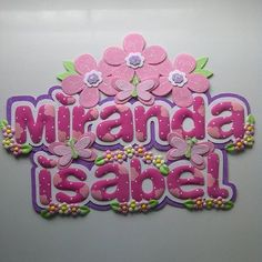 #foami #gomaeva #nombres #habitacion #instasize #infantiles #deco #decoracion #mariposas #flores #princesas Foam Crafts, Diy And Crafts, Baby Door Hangers, Baby Shawer, Borders And Frames, Baby Girl Names, Happy Kids, Paper Cutting, Projects To Try