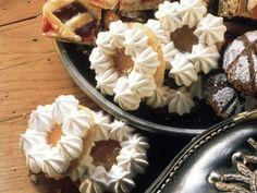 Burgenländer-Plätzchen ist ein Rezept mit frischen Zutaten aus der Kategorie Konfitüre. Probieren Sie dieses und weitere Rezepte von EAT SMARTER!