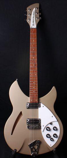 Not too many seen in this color. Jazz Guitar, Music Guitar, Cool Guitar, Playing Guitar, Rickenbacker Guitar, Gretsch, Rare Guitars, Vintage Guitars, Guitar Photos
