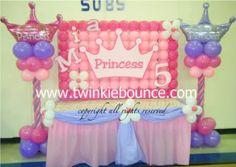 princess crown birthday party balloon decoration photo DSCF7356.jpg