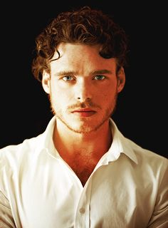 """Richard Madden- """"Robb Stark"""": Handsome, Rugged, Scottish, what more could we want? Love this man."""