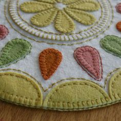 Summer Delight - Penny Rug Pattern - wool felt craft kit - citrus fruit drink coasters and juice jug mat - summer time decor - hostess gift