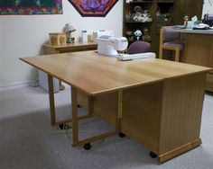I like this better than my set-up, which has a separate extension table (with the same kind of supporting legs).