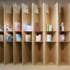 http://www.fopple.com/modern-bookshelf-with-foldable-mechanism/