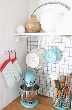 Use countertop storage for big utensils.